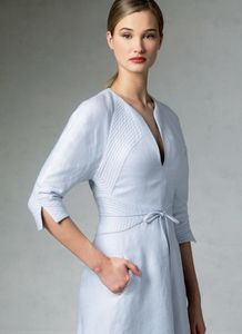 Vogue kaava V1381 QUILTED RAGLAN SLEEVE DRESS
