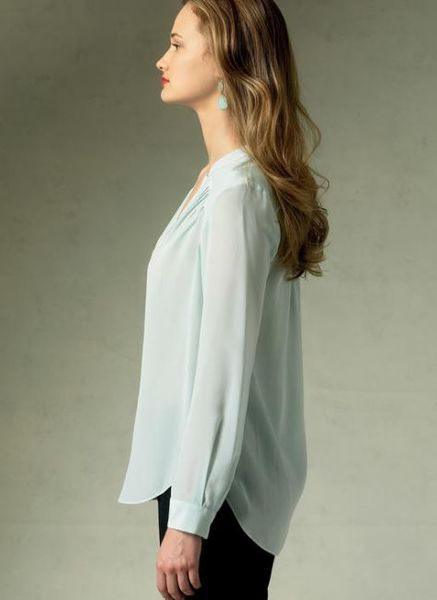 Vogue kaava V1387 PLEATED SURPLICE TOPS